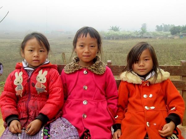 Ánh mắt con trẻ trong veo giữa miền sơn cước Hang Kia ảnh 11