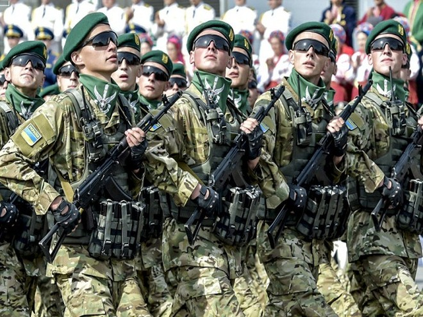 """Mỹ muốn Kiev làm chủ Ngày Chiến thắng 9-5, Nga """"phản pháo"""" dữ dội ảnh 1"""