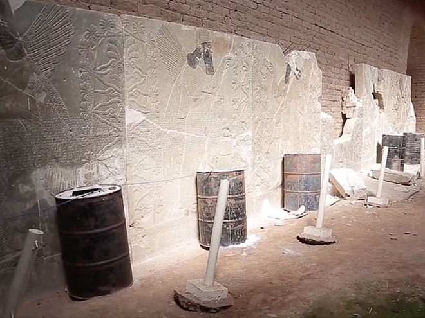 IS dùng bom nổ tung thành phố Assyrian, 3.000 năm tuổi tại Iraq ảnh 3
