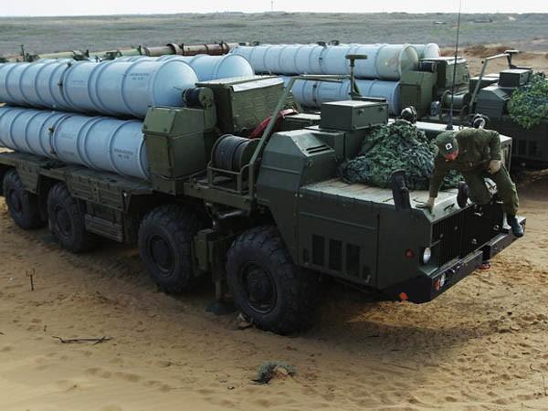 """Iran vô cùng """"phấn khích"""" khi Nga gỡ bỏ lệnh cấm bán S-300 ảnh 1"""
