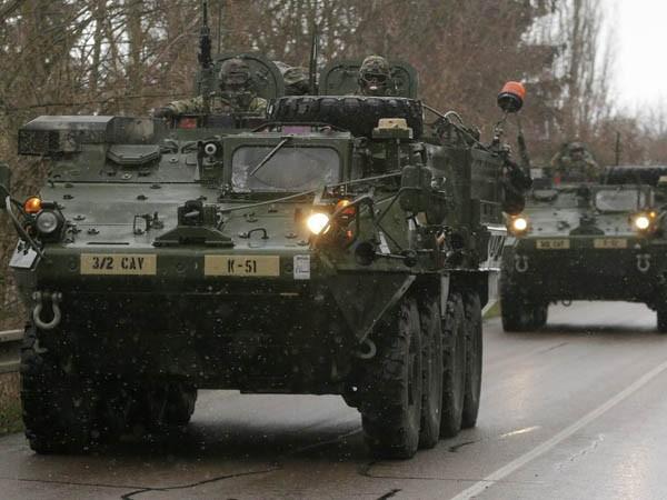 Xung đột bùng phát tại Donbass, Mỹ triển khai Lữ đoàn lính dù tới Ukraine ảnh 1