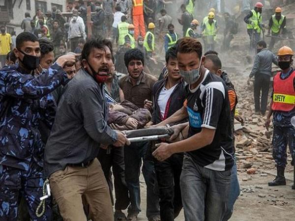Thảm hoạ động đất tại Nepal: Số người chết đã lên tới 2.200 ảnh 1