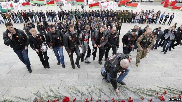Tức giận Nga, Ba Lan cấm 10 thành viên mô tô Sói Đêm nhập cảnh ảnh 3