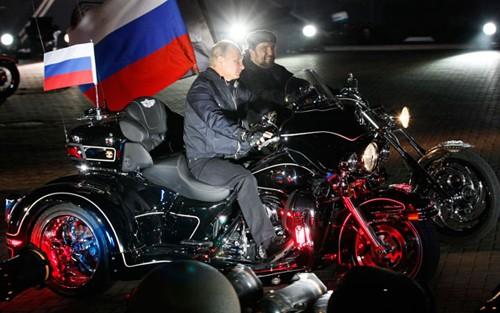 Tức giận Nga, Ba Lan cấm 10 thành viên mô tô Sói Đêm nhập cảnh ảnh 4