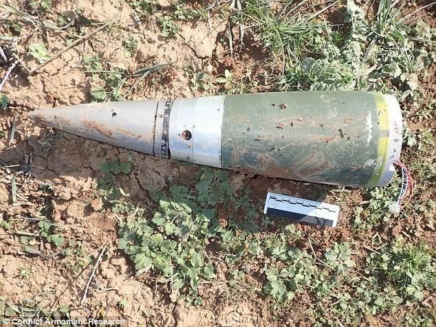 Bất ngờ trước kho vũ khí IS sử dụng trong cuộc chiến ở Kobani ảnh 9