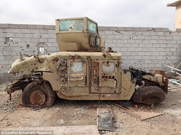 Bất ngờ trước kho vũ khí IS sử dụng trong cuộc chiến ở Kobani ảnh 8