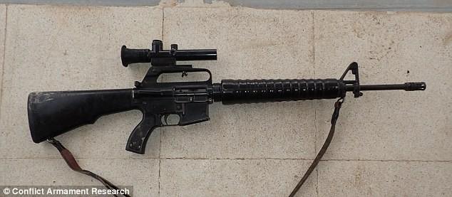 Bất ngờ trước kho vũ khí IS sử dụng trong cuộc chiến ở Kobani ảnh 6