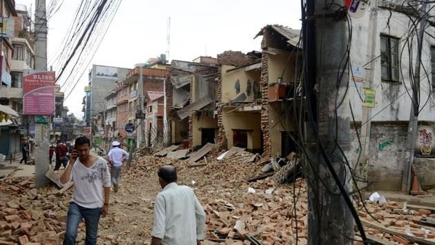 Thảm hoạ động đất ở Nepal: 6.200 người chết, nhà xác quá tải trầm trọng ảnh 2