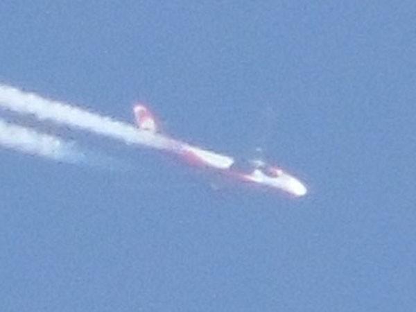 """Chộp được khoảnh khắc """"phi đội UFO"""" lượn lờ trên bầu trời Tây Ban Nha ảnh 3"""