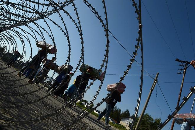Cuộc sống bên trong trại tị nạn của người di cư Đông Nam Á ảnh 14