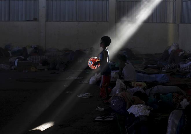 Cuộc sống bên trong trại tị nạn của người di cư Đông Nam Á ảnh 11