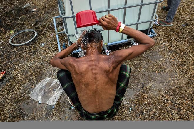 Cuộc sống bên trong trại tị nạn của người di cư Đông Nam Á ảnh 9