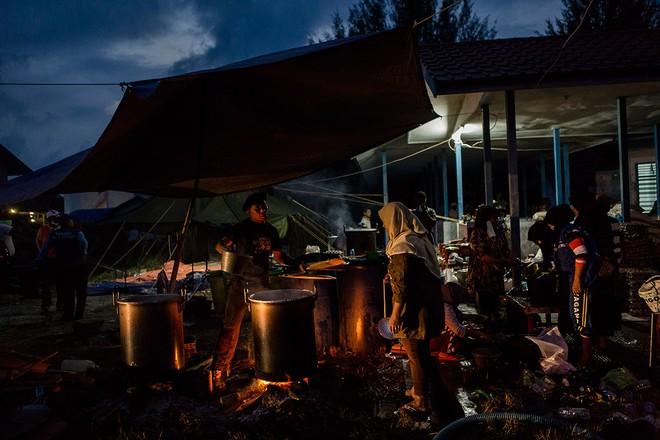Cuộc sống bên trong trại tị nạn của người di cư Đông Nam Á ảnh 12