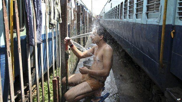 Nắng nóng 48 độ C giết chết hơn 500 người Ấn Độ ảnh 2