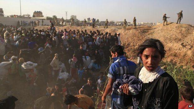 """Thảm cảnh người tị nạn Syria """"xé rào"""" vượt biên, chạy trốn cuộc chiến IS ảnh 12"""