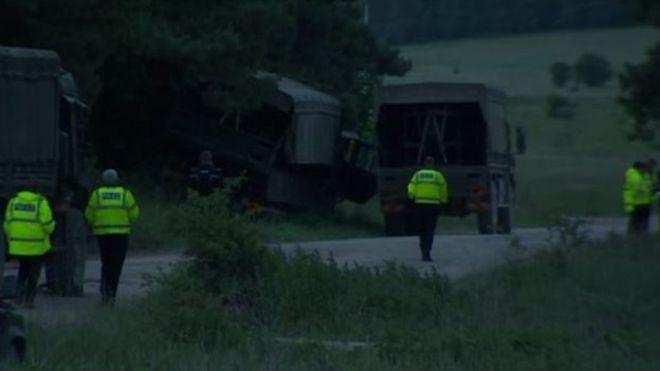 3 xe quân sự Anh va chạm, 20 người bị thương nặng ảnh 1