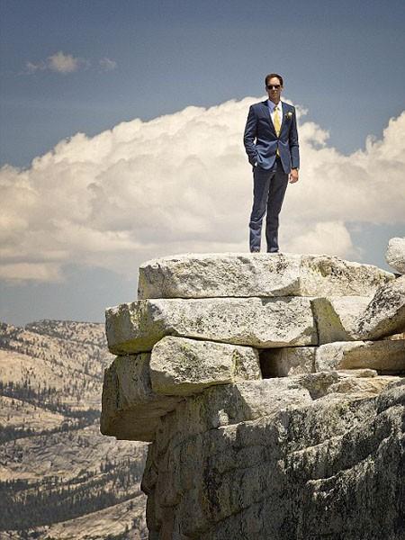 """Ngất ngây ngắm bộ ảnh cưới """"thiên đường"""" trên độ cao gần 1.500m ảnh 2"""