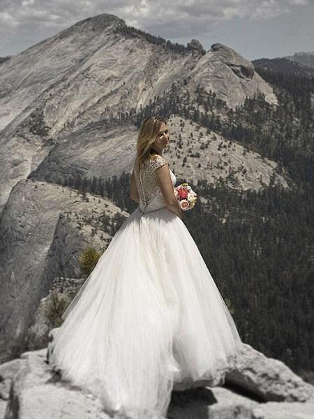 """Ngất ngây ngắm bộ ảnh cưới """"thiên đường"""" trên độ cao gần 1.500m ảnh 8"""