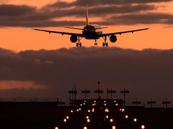 Cấm máy bay Nga vào không phận, Ukraine tự làm khó mình?! ảnh 1