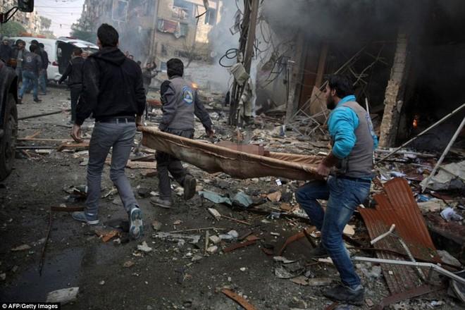 Máy bay Nga bị nghi không kích trúng dân thường ở ngoại ô Damascus, 23 người chết ảnh 15