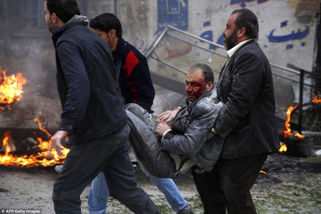 Máy bay Nga bị nghi không kích trúng dân thường ở ngoại ô Damascus, 23 người chết ảnh 13