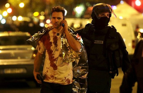 Hình ảnh khủng khiếp bên trong phòng hòa nhạc sau vụ tấn công khủng bố Paris ảnh 5