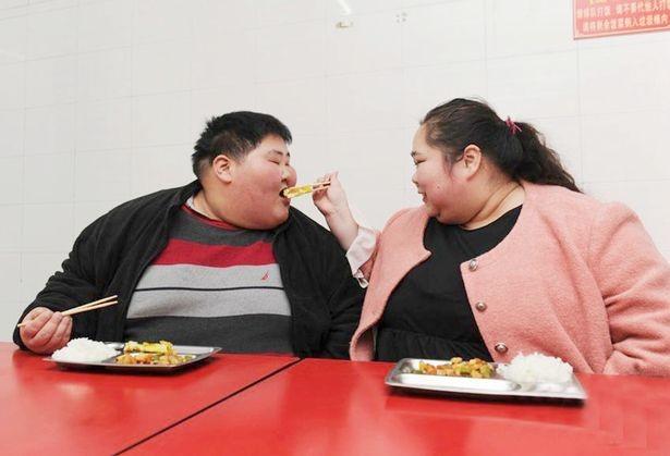 Cặp đôi nặng 360kg ở Trung Quốc quyết định giảm cân để có con ảnh 2