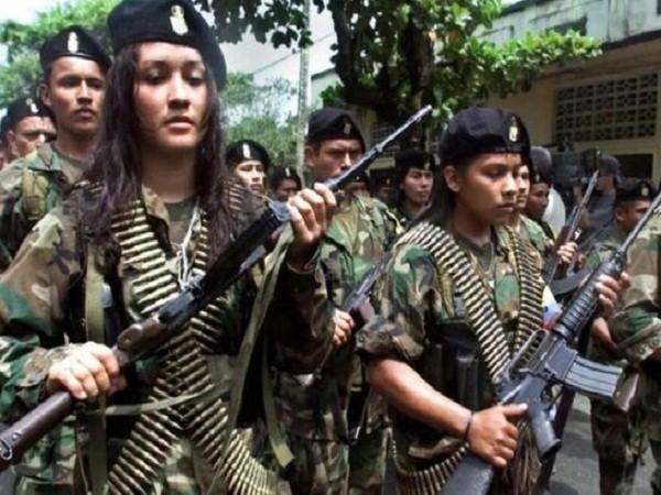 Nữ tay súng của FARC bị buộc phá thai để tiếp tục chiến đấu