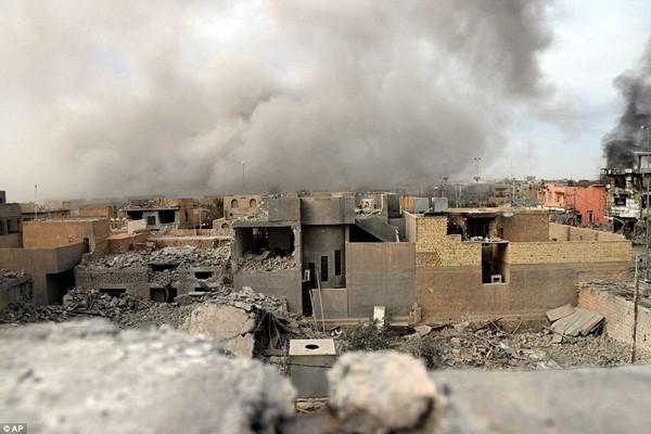 Ramadi là thành phố chiến lược của IS nằm gần biên giới các nước như Syria, Jordan, Ả Rập Saudi