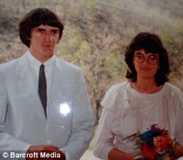 Bi hài: Cặp vợ chồng biến thành... hai chị em ảnh 6