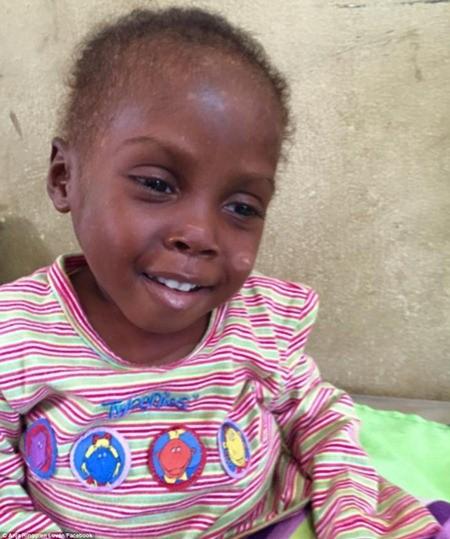 """Hình ảnh em bé Nigeria """"phù thủy"""" gây chấn động toàn cầu ảnh 9"""