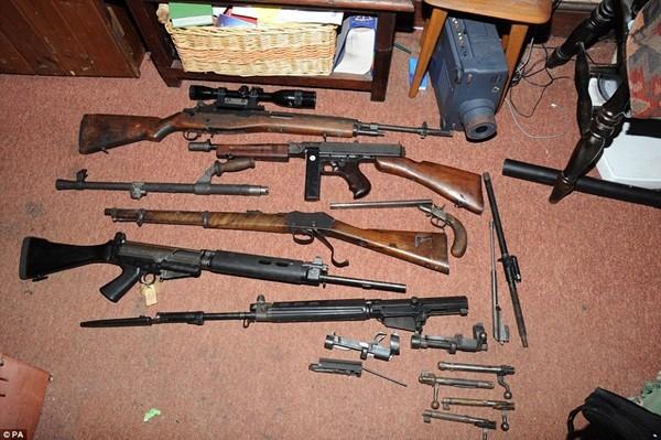 Mục sở thị kho vũ khí bất hợp pháp gần 500 khẩu súng, 200.000 viên đạn ảnh 18
