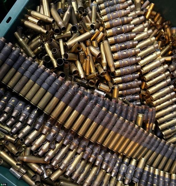 Mục sở thị kho vũ khí bất hợp pháp gần 500 khẩu súng, 200.000 viên đạn ảnh 3