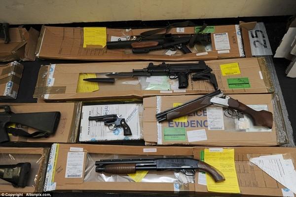 Mục sở thị kho vũ khí bất hợp pháp gần 500 khẩu súng, 200.000 viên đạn ảnh 19