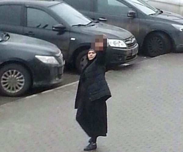 Bobokulova mang thủ cấp của bé gái đến nhà ga tàu điện ngầm Moscow