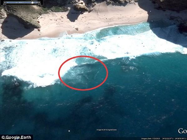 Hình ảnh mà ông Waring cho rằng chính là máy bay MH370 chìm dưới biển