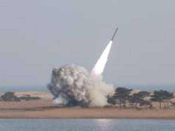 Triều Tiên tuyên bố đã sở hữu đầu đạn hạt nhân thu nhỏ