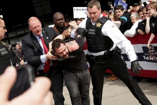 Người thanh niên có ý định tấn công ông Trump bị bắt giữ ngay sau đó
