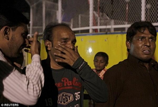 Hình ảnh đau xót vụ đánh bom tự sát khiến 29 trẻ em chết thảm ảnh 8
