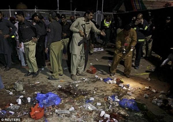 Hình ảnh đau xót vụ đánh bom tự sát khiến 29 trẻ em chết thảm ảnh 6