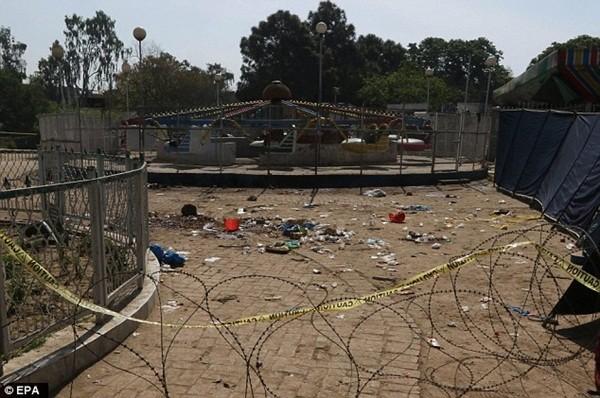 Hình ảnh đau xót vụ đánh bom tự sát khiến 29 trẻ em chết thảm ảnh 4