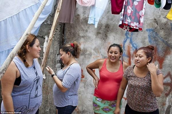 Đẻ thuê là cách duy nhất để những người phụ nữ này có thể đảm bảo cuộc sống của mình