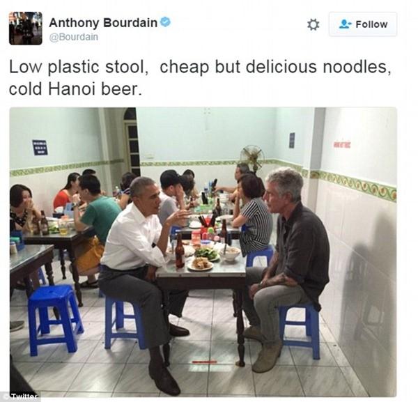 Bức ảnh trên Twitter của ông Anthony Bourdain nhận bão like vì khoảnh khắc gần gũi thân thiện