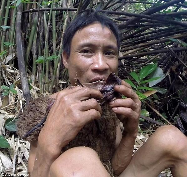 """Chuyến về rừng đầy cảm xúc của """"người rừng"""" Hồ Văn Lang sau 3 năm ảnh 10"""