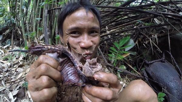 """Chuyến về rừng đầy cảm xúc của """"người rừng"""" Hồ Văn Lang sau 3 năm ảnh 11"""