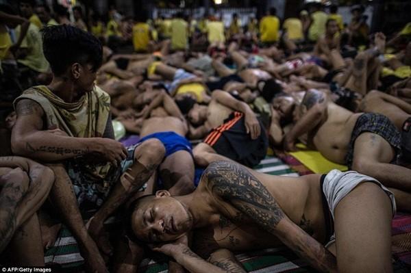 Khủng hoảng nhà tù tồi tệ sau cuộc chiến chống tội phạm ma túy ở Philippines