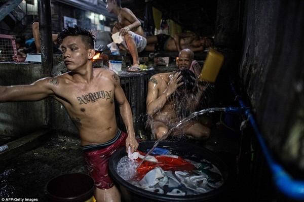 Nhà tù mới có sức chứa khoảng 6.000 nghìn người, thay thế nhà tù Quezon City