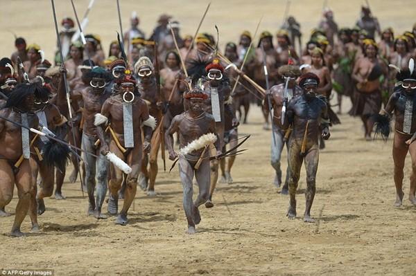 Bộ tộc ướp xác người chết bằng khói, giữ nguyên vẹn hàng trăm năm ảnh 8