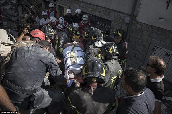Ít nhất 160 người đã thiệt mạng và 368 người bị thương
