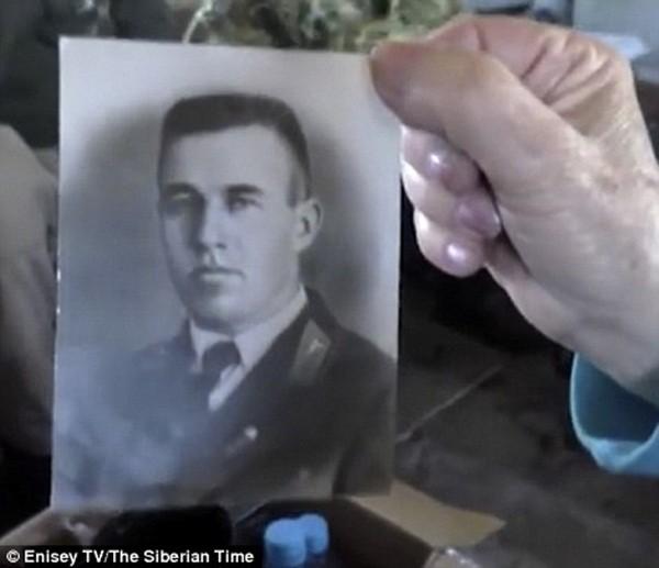 Dòng chữ hé lộ thời khắc sinh tử trên phi cơ lâm nạn 70 năm trước ảnh 4